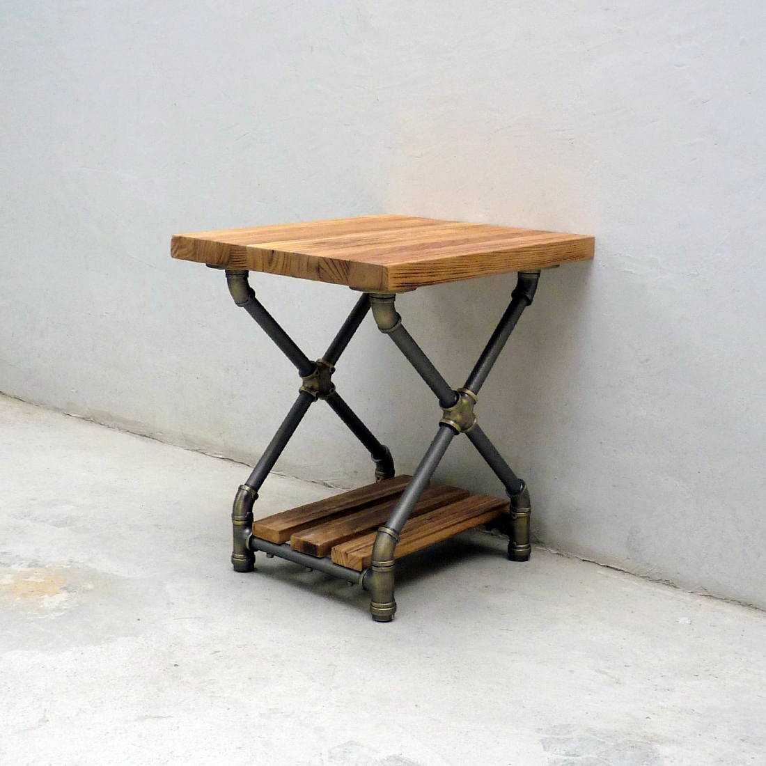 Houston Industrial Chic Side Table STX1 BRGRNA 1